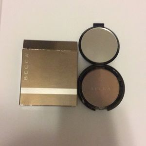 Other - Becca shadow and light bronze/ contour perfector